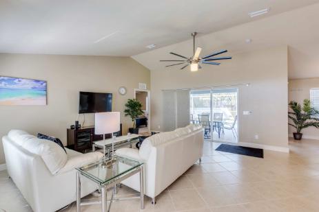 wohn esszimmer villa mark die ferienvilla in cape coral. Black Bedroom Furniture Sets. Home Design Ideas